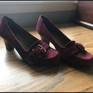 Aerosoles heel rest burgandy shoes.  8.5